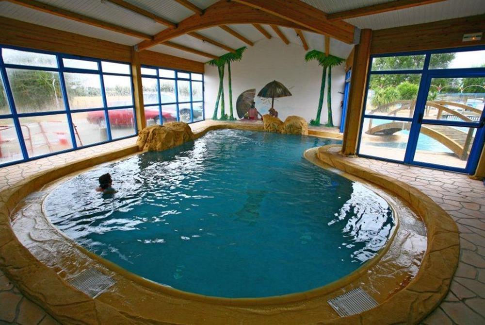 Camping avec espace aquatique piscine couverte et - Camping avec piscine couverte chauffee ...
